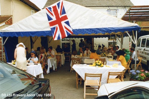 Bar Biilliards Ltd Brewery day Ascot 1988_R