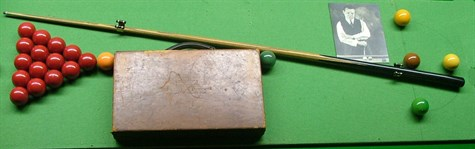 Joe Davis Snooker Cue and Ball case